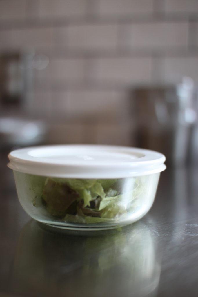 Iwakiのパックぼうるで一人分のサラダの保存