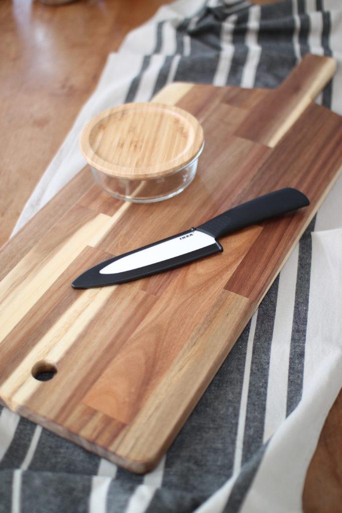 IKEAのまな板とナイフとガラス容器をキャンプ用に買い足しました。