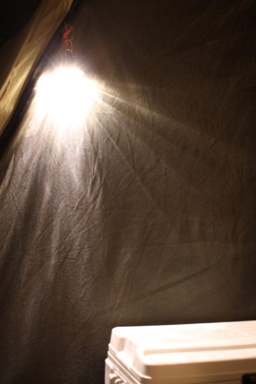 ベアボーンズのランタンは明るかった!