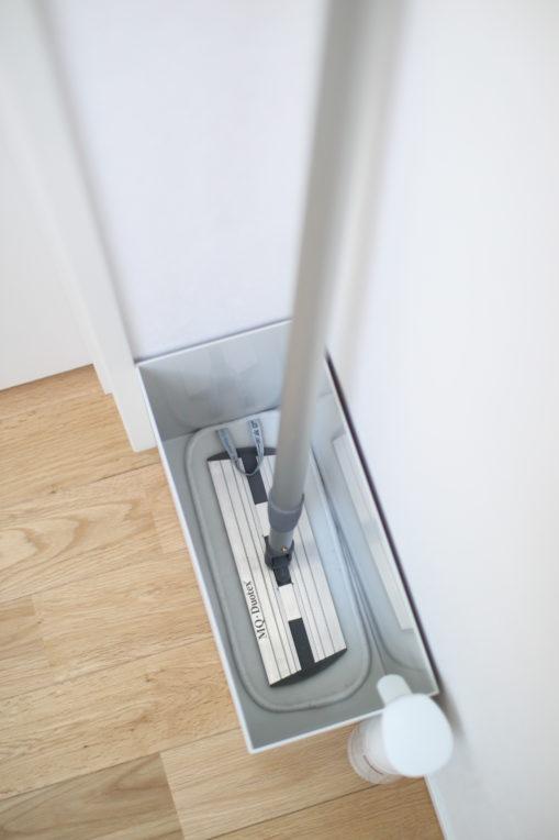 無印のワイドのファイルボックスがMQモップの収納にぴったり