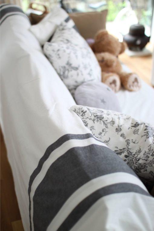 IKEAの布団カバーをソファに使う