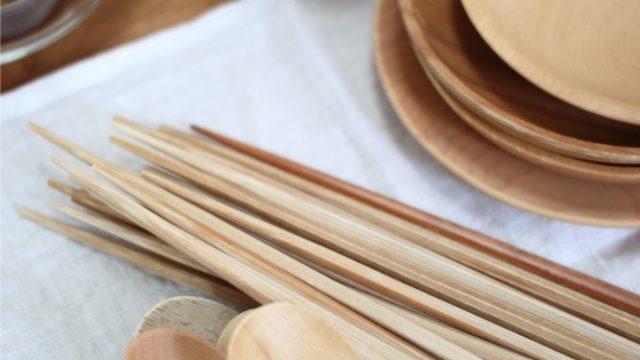 木製食器をオリーブオイルで手入れ