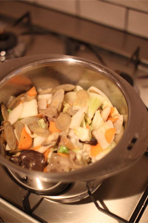 豚汁を作る