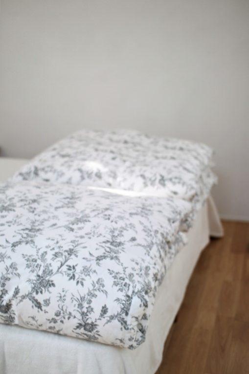 門倉多仁亜さんのベッドメイキングを真似しています