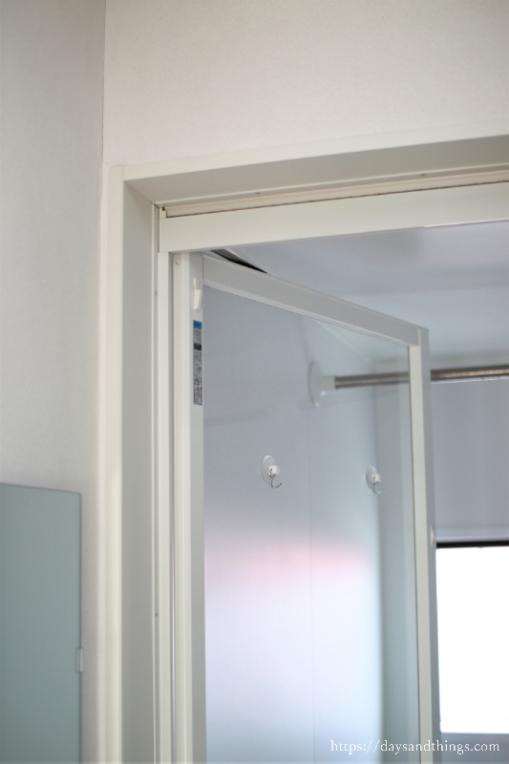 浴室ドアの換気口を掃除